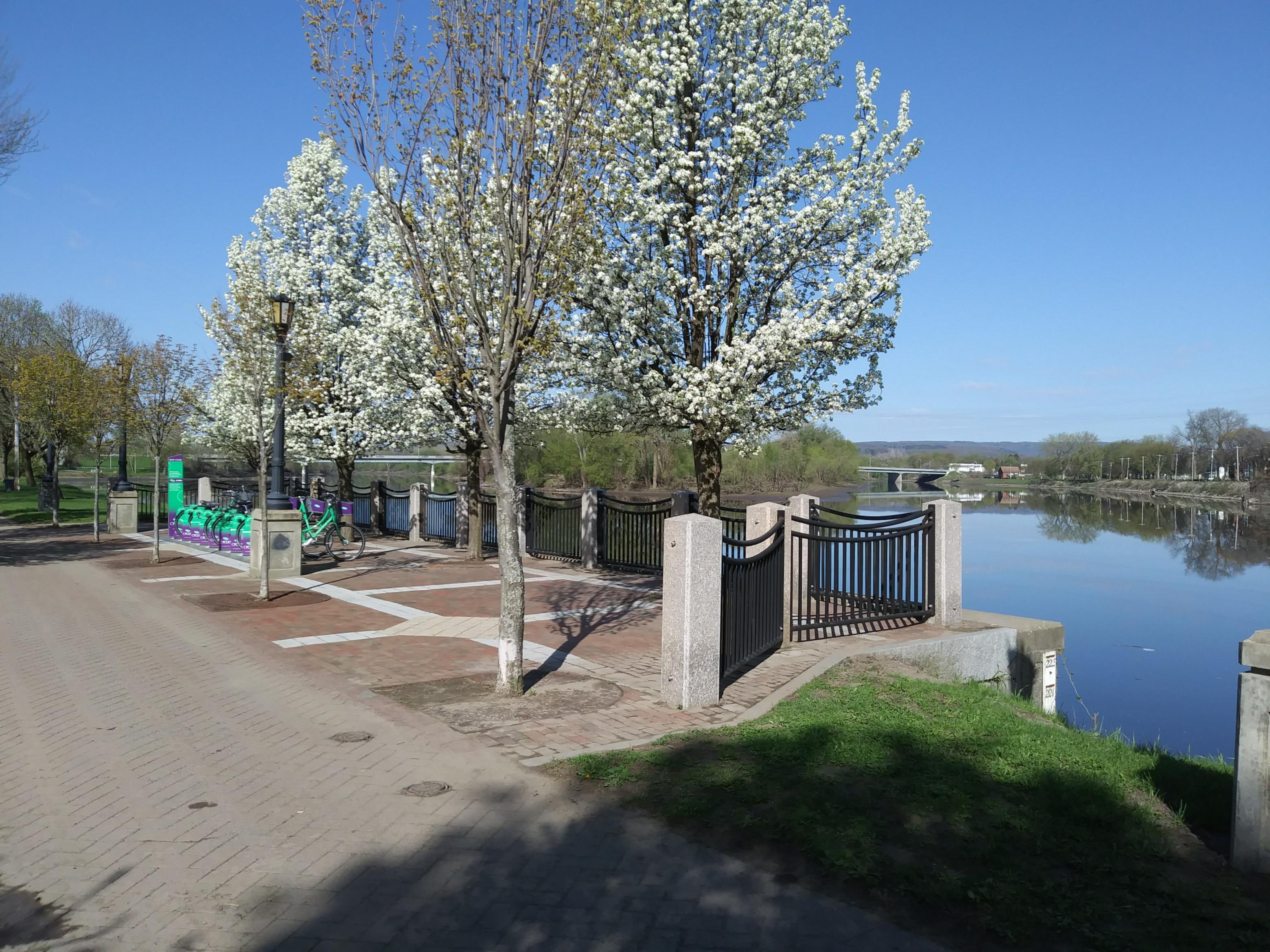 Riverside Park Bike Hub